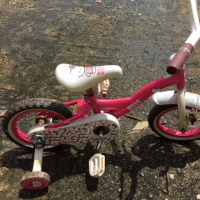 Vélo enfant 2 à 4 ans rose avec roulettes